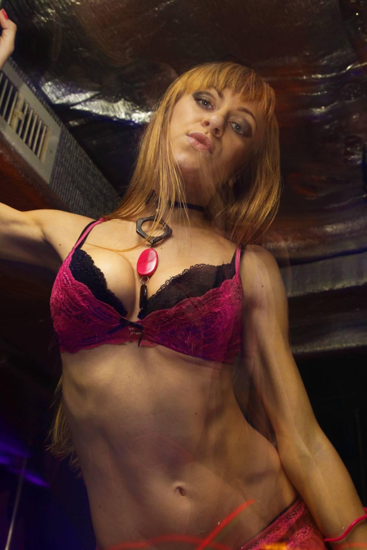 Секс с полненькой проституткой